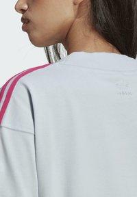 adidas Originals - 3D TREFOIL TEE DRESS - Jerseykjoler - blue - 5
