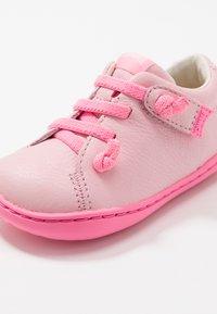 Camper - PEU CAMI - Vauvan kengät - light pink - 2