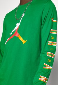 Jordan - CREW - Long sleeved top - lucky green/dark sulfur - 5
