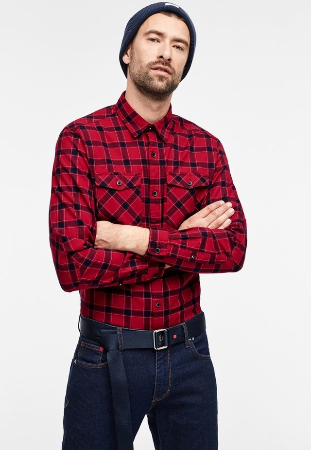 MIT KAROS - Shirt - red