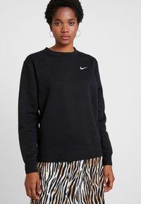Nike Sportswear - CREW TREND - Sweatshirt - black/white - 0