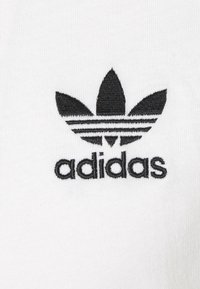 adidas Originals - ADICOLOR CLASSICS 3-STRIPES LONG SLEEVE TEE - Pitkähihainen paita - white - 2