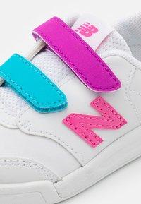 New Balance - IVCT60KL UNISEX - Sneakers laag - white/lolipop - 5