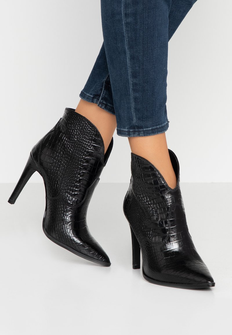 Toral - High heeled ankle boots - black