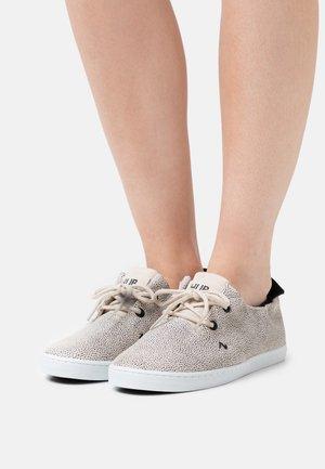 KYOTO - Sneakersy niskie - vista/white