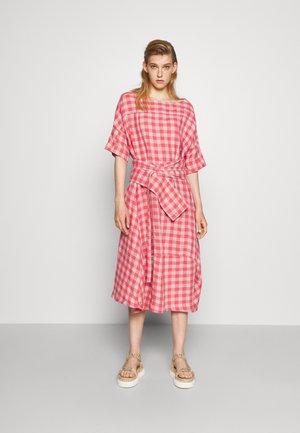 PIPETTE DRESS - Maxi šaty - berry