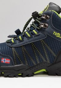 TrollKids - KIDS TROLLTUNGA MID UNISEX - Hiking shoes - navy/viper green - 2