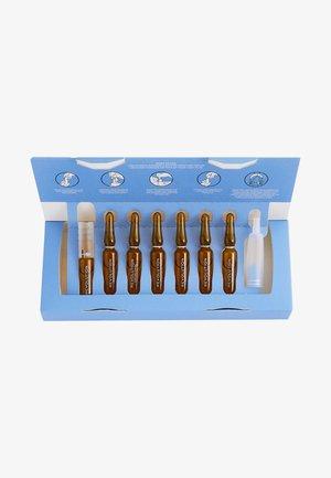REVOLUTION SKINCARE SALICYLIC ACID 7 DAY BLEMISH PREVENTING SKIN - Skincare set - -