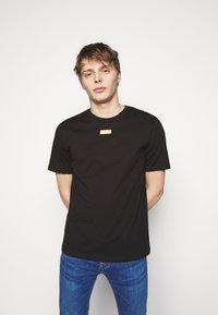 HUGO - DURNED - Basic T-shirt - black - 0