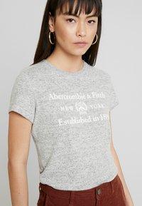 Abercrombie & Fitch - COZY LOGO TEE - Print T-shirt - grey - 5