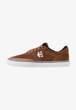 MARANA - Sneakersy niskie - brown