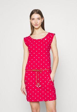 TAG DOTS - Pouzdrové šaty - red