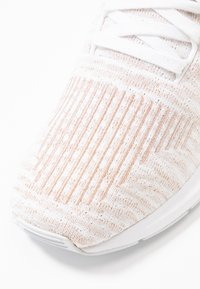 adidas Originals - SWIFT RUN  - Trainers - footwear white/copper metallic - 2