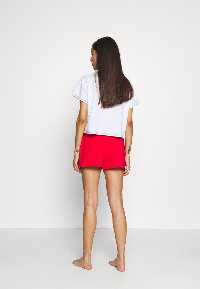 Pyjamahousut/-shortsit - red