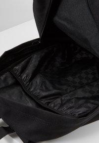 Vans - OLD SKOOL  - Plecak - black/calypso coral - 4