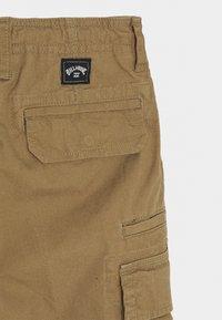 Billabong - SCHEME BOY - Cargo trousers - light khaki - 2