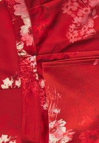 Hope & Ivy Petite - Pantaloni - red - 2
