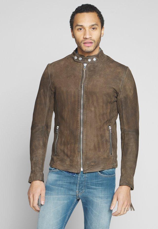 ARNULF BUFFED - Leather jacket - sand