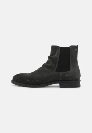 JFWRUKKA CHELSEA - Classic ankle boots - pirate black