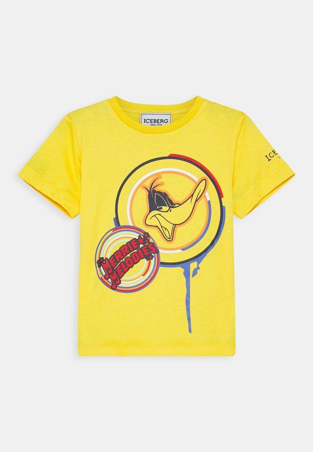 T-shirt imprimé - giallo