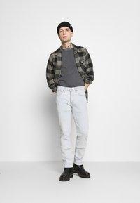 Levi's® - ORIGINAL TEE - T-shirt - bas - gray ore - 1