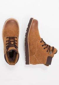UGG - SETON - Lace-up ankle boots - chestnut - 1