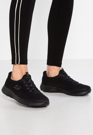 SUMMITS - Trainers - black
