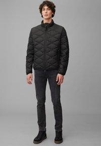 Marc O'Polo DENIM - MIT SLOW DOWN - NO DOWN-WATTIERUNG - Winter jacket - black - 1
