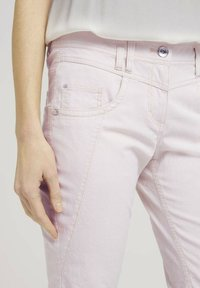TOM TAILOR - Trousers - beige thin stripe - 4