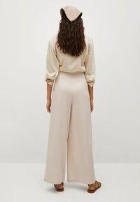 Mango - MOMA-A - Spodnie materiałowe - ecru - 2
