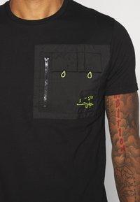 Brave Soul - Basic T-shirt - black - 5