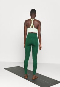 Even&Odd active - SEAMLESS - Leggings - green - 2