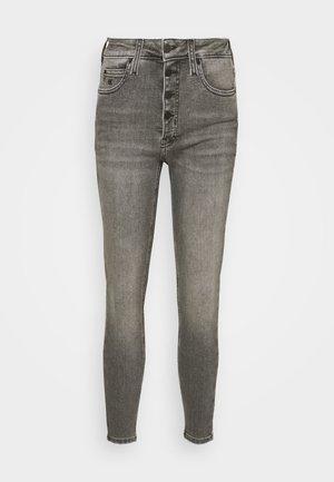 HIGH RISE SUPER SKINNY ANKLE - Skinny džíny - denim grey