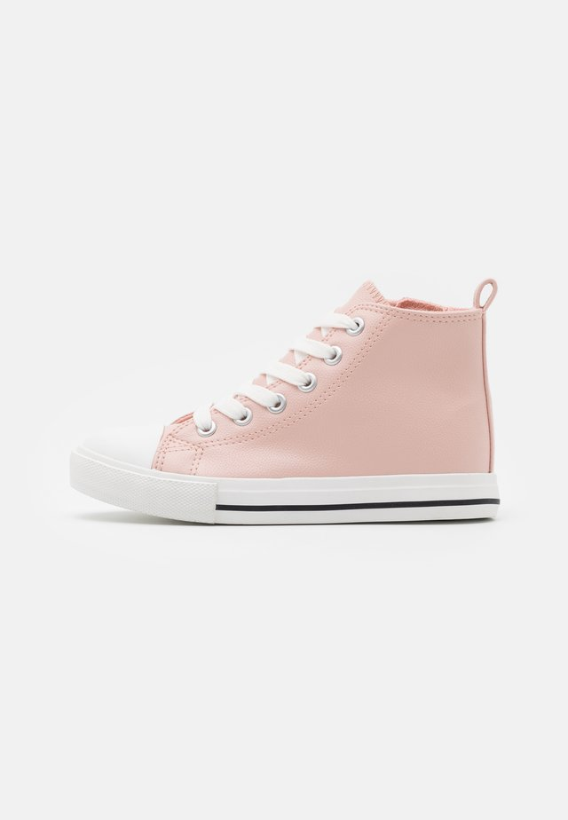 CLASSIC LACE UP - Sneakers alte - peach whip