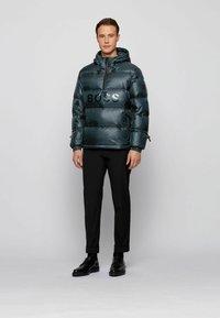BOSS - Gewatteerde jas - open green - 1