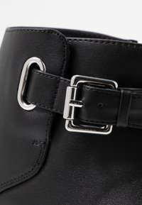 Miss Selfridge Wide Fit - BUCKLE DETAIL FLAT BOOT WIDE FIT - Ankle boots - black - 2
