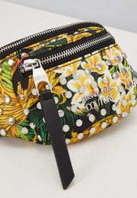 Versace Jeans Couture - BAROQUE PRINTED BUMBAG - Bum bag - multi - 6