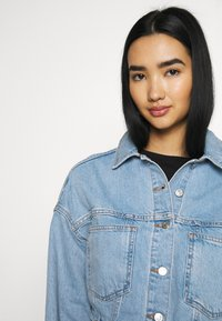 Topshop - CROP JACKET - Denim jacket - blue denim - 3