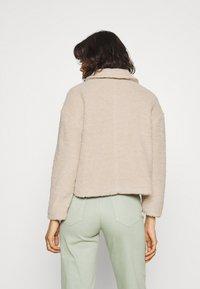 ONLY - ONLMARINA CROP JACKET - Light jacket - humus - 2