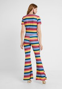 Missguided Tall - STRIPED AND FLARE TROUSER - T-shirt con stampa - blue - 2