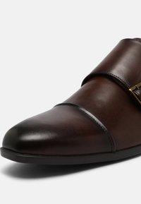 Office - MADDISON - Scarpe senza lacci - brown - 4