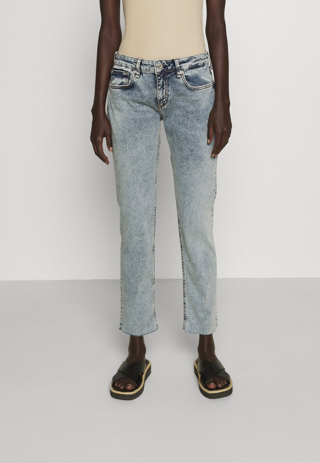 DRE LOOPBACK BOYFRIEND LABEL - Jeans relaxed fit - nora