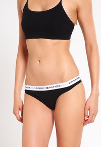 Tommy Hilfiger - THONG ICONIC - G-strenge - black - 0