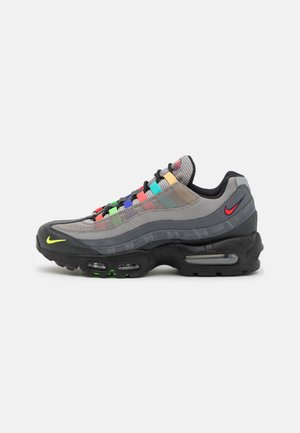 AIR MAX 95 SE UNISEX - Trainers - light charcoal/university red/black