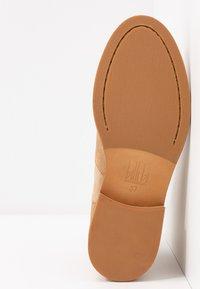 Billi Bi - Støvletter - beige/coral - 6
