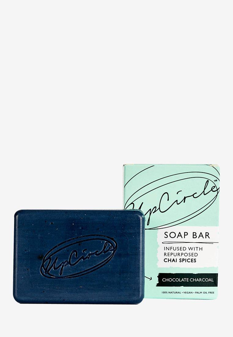 UpCircle - CHAI SOAP BAR - Soap bar - chocolate charcoal