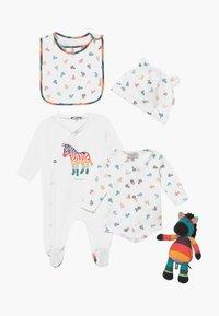 Paul Smith Junior - AUBERTIN SET - Baby gifts - white - 0