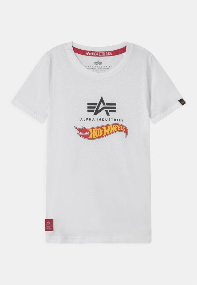 HOT WHEELS FLAG - T-shirt print - white