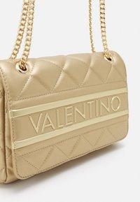 Valentino Bags - ADA - Across body bag - oro - 2