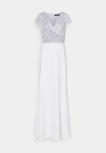 KRYSTAL CAP SLEEVE EVENING DRESS - Iltapuku - white/silver